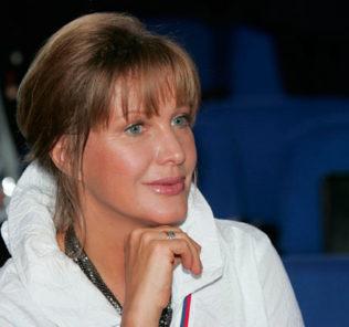 Елена Проклова будет судиться с мужем за имущество