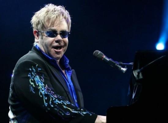 Elton_John-718x523