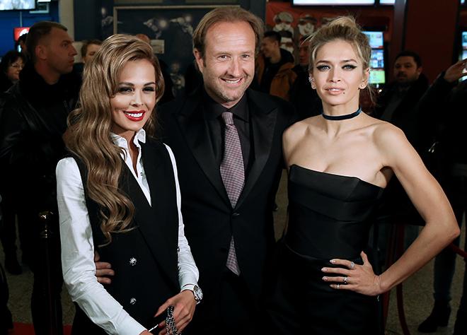 Вера Брежнева с коллегами по фильму. Фото: www.dni.ru