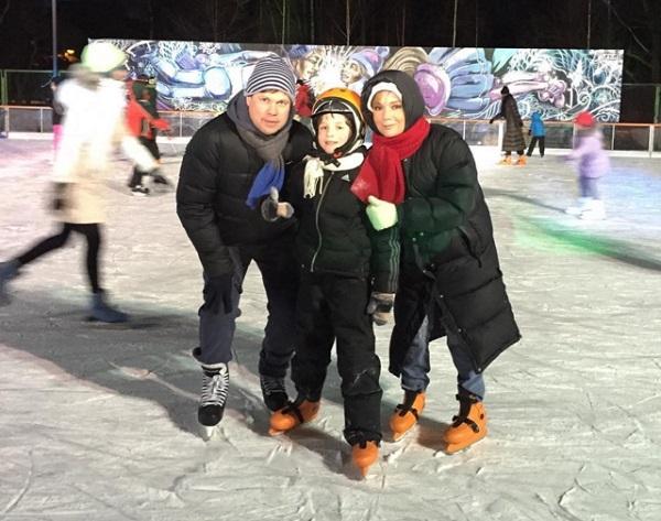 Татьяна Буланова с семьей. Фото: www.rusdialog.ru