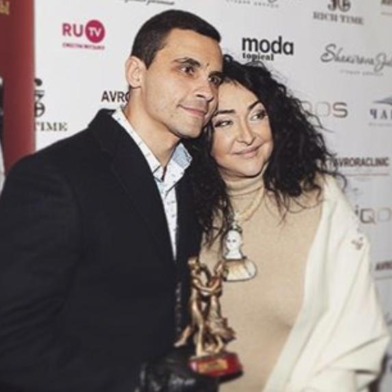 Лолита с мужем. Фото: www.rusdialog.ru