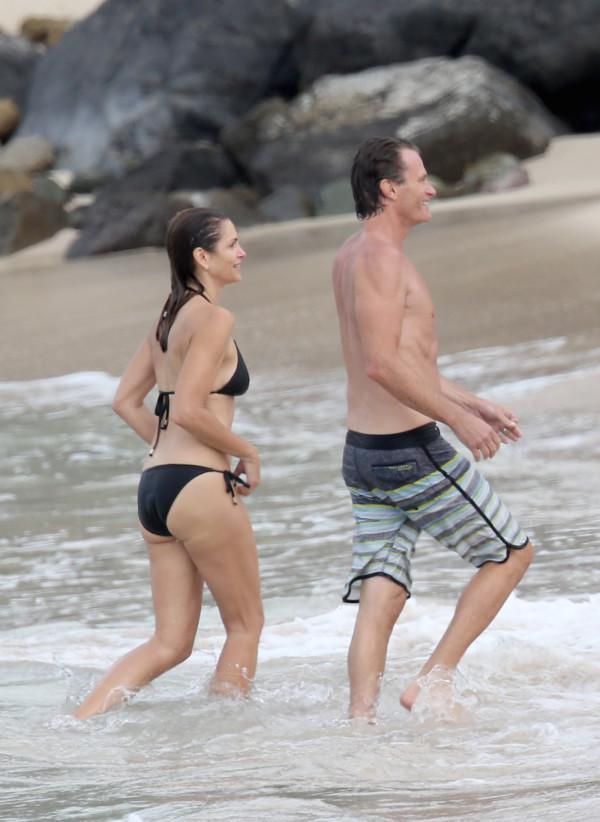 Синди Кроуфорд с мужем на Карибах. Фото: www.rostov.kp.ru