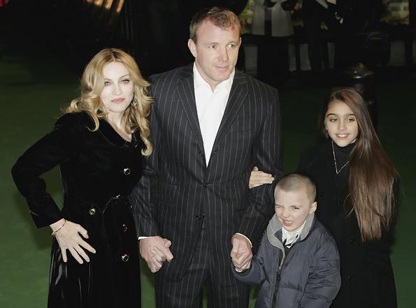 Мадонна с Гаем Ричи и детьми