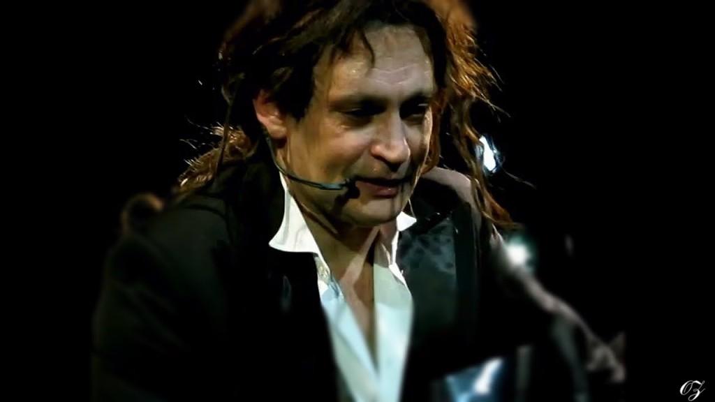 Александр Домогаров на сцене. Фото: i.ytimg.com
