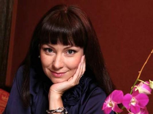 nonna_grishaeva_pesnja_uborshitsi_iz_nochnogo_kluba