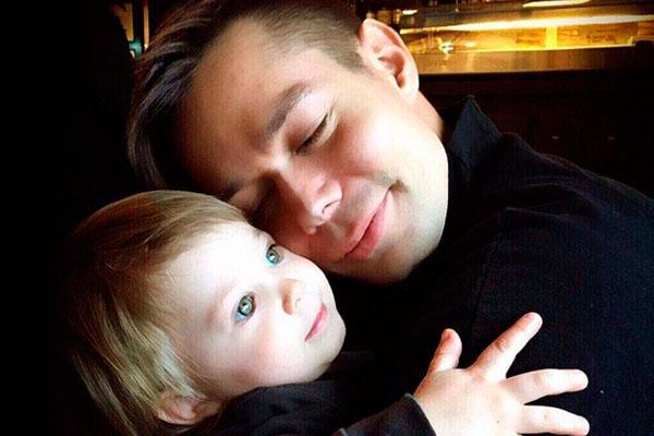 Стас Пьеха с сыном. Фото: instagram.com/