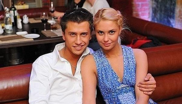 Павел Прилучный с женой. Фото: svit24.net