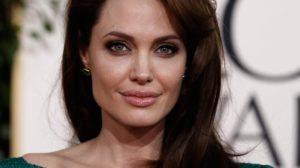 Анджолина-Джоли