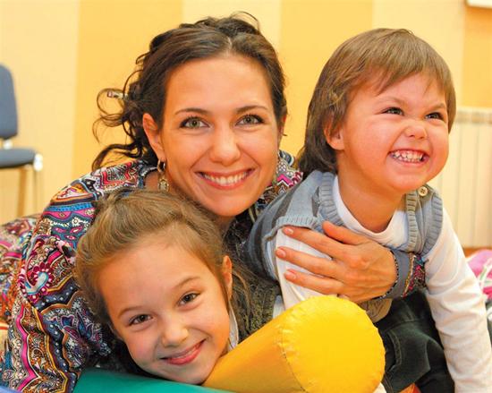 Екатерина Климова с детьми. Фото: www.rastim-baby.ru