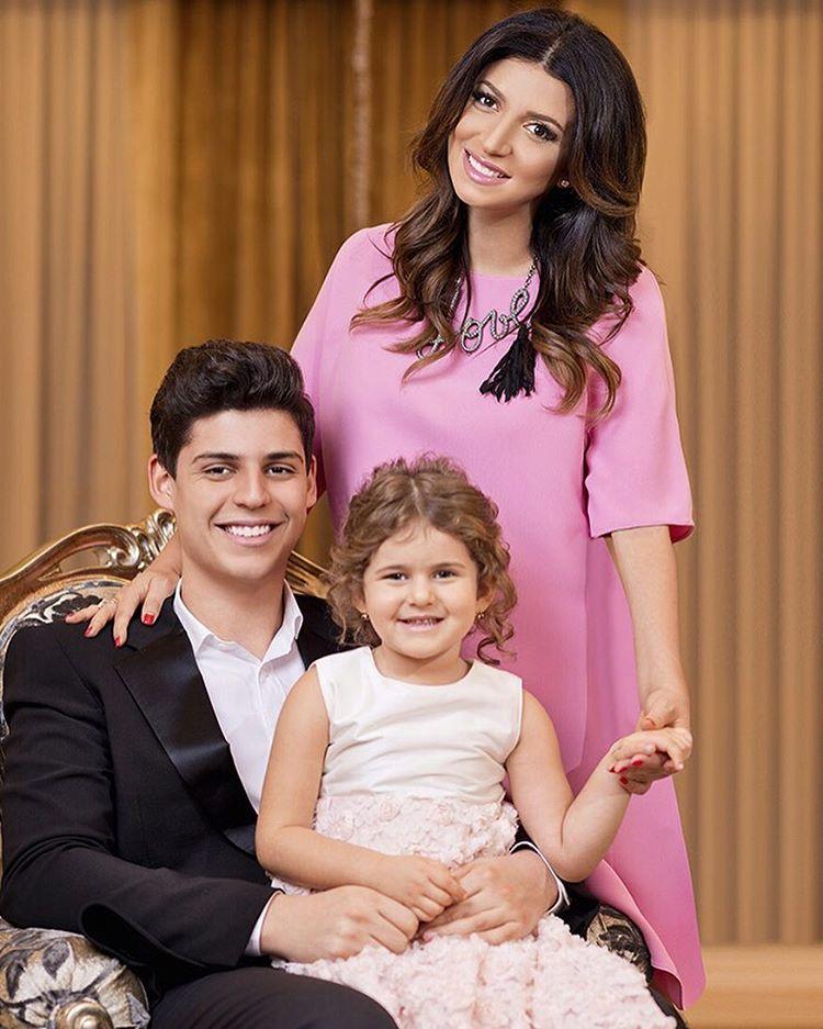 Жасмин с сыном Михаилом и дочерью Маргаритой Фото: Instagram