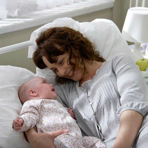 Анна Снаткина с дочкой. Фото: www.mecenat100.ru