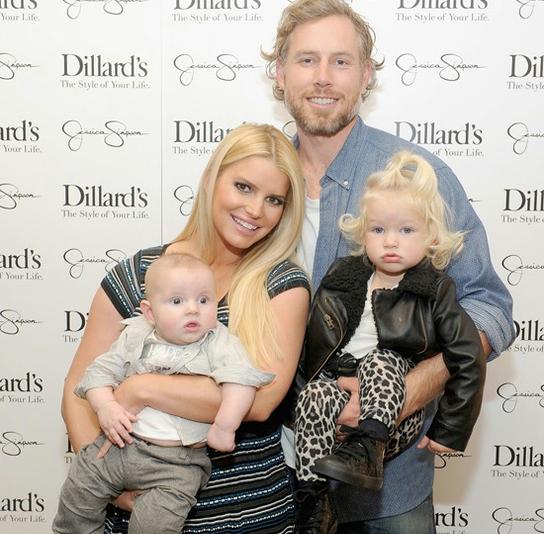 Джессика Симпсон с семьей Фото: Gettyimages.com