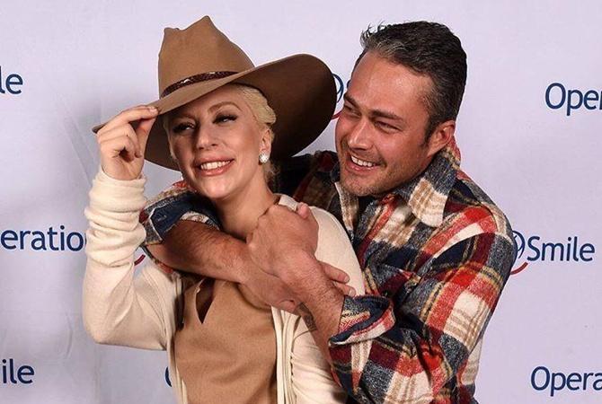 Леди Гага и Тейлор Кинни. Фото: kp.ua