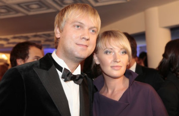 Сергей и Юлия Светлаковы. Фото: starhit.ru