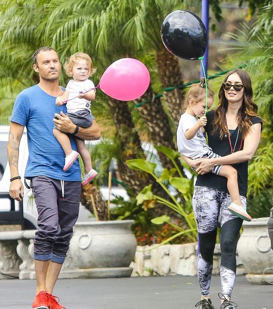 Меган Фокс и Брайан Остин Грин проводят время с детьми после объявления о разводе Фото: Dailypicture
