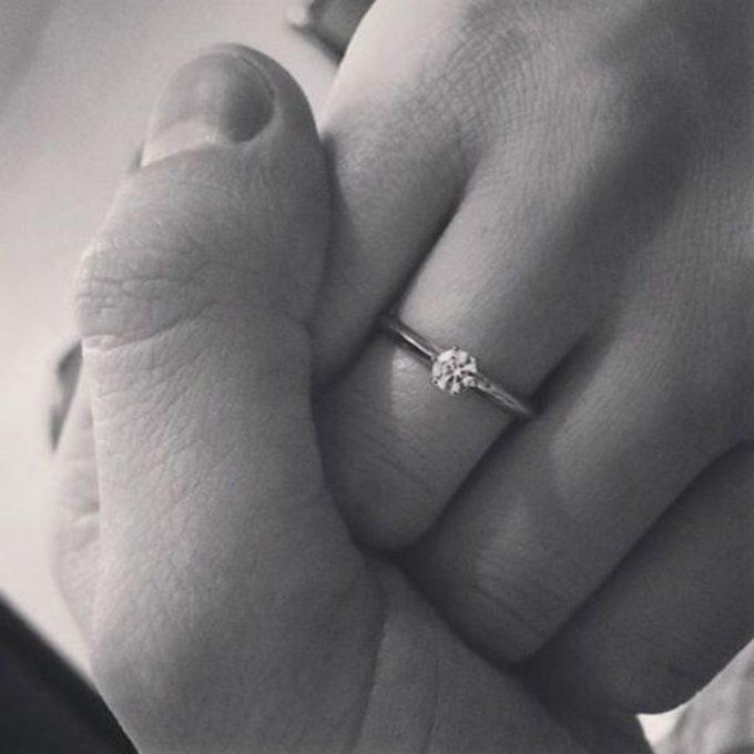 Помолвочное кольцо Юлии Светлаковой. Фото: instagram.com