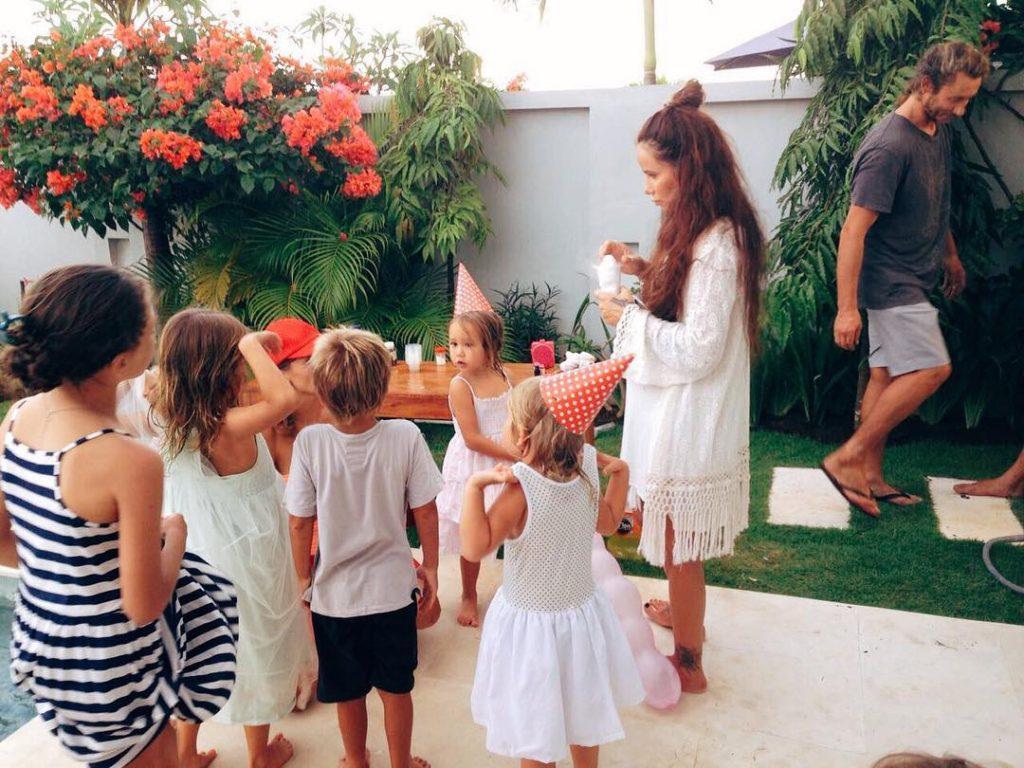 Айза потратила на праздничный стол и развлечения полмиллиона Фото: Инстаграм