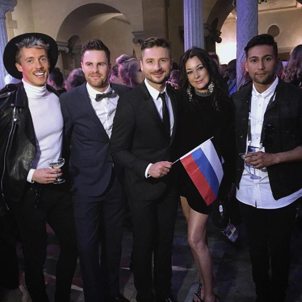 Сергей Лазарев вместе со своими танцорами и вокалистами Фото: Инстаграм