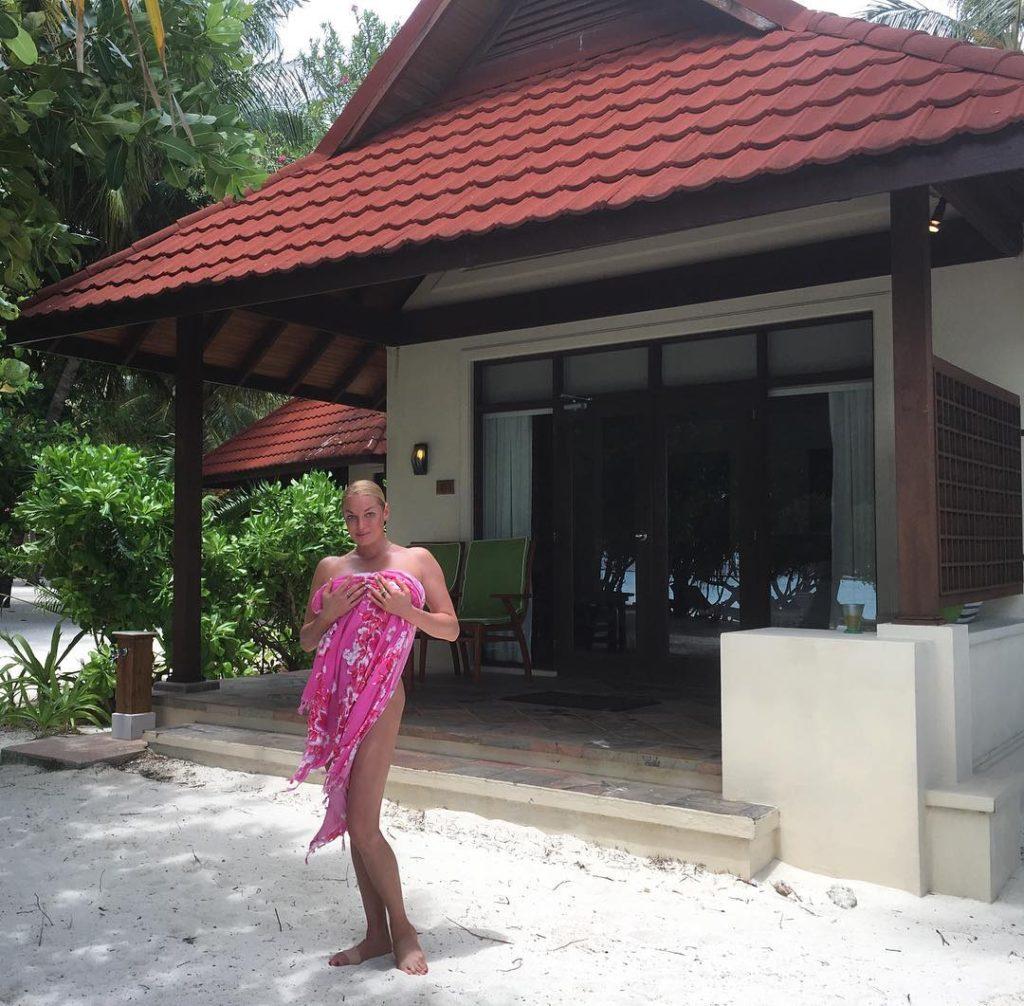 Анастасия Волочкова снимает стресс на Мальдивах Фото: Инстаграм
