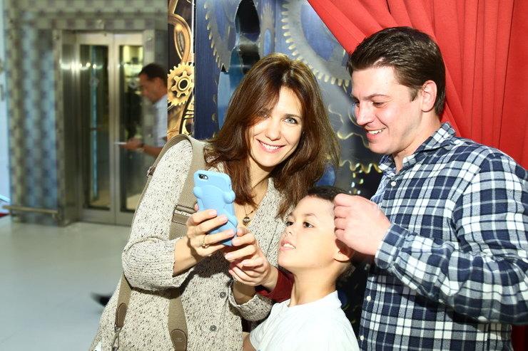 Екатерина Климова с Гелой Месхи и сыном Фото: cosmo.ru