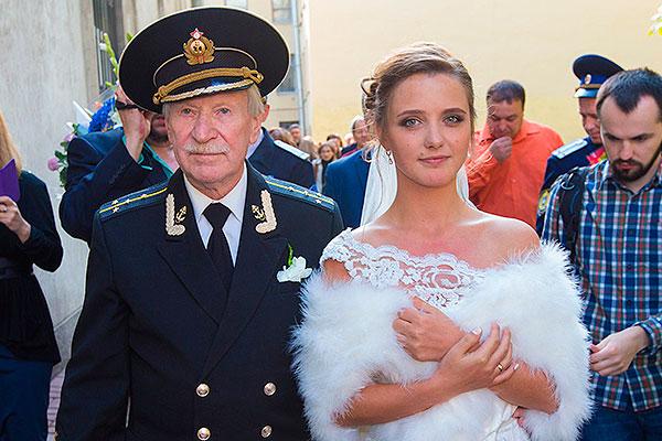 Иван Краско с молодой избранницей Фото: Starhit