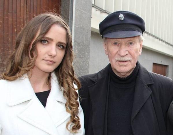 Пара живет с внуком Краско Кириллом и его мамой Маргаритой, вдовой покойного сына артиста Фото: Paparazzi