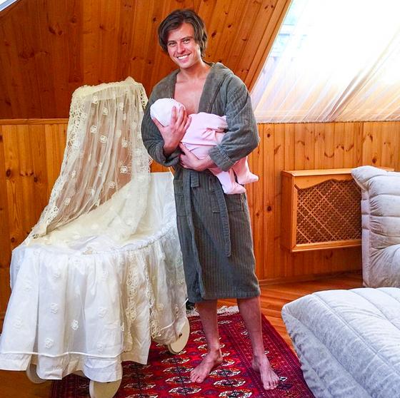 Прохор Шаляпин выдавал себя за отца ребенка Анны Калашниковой Фото: super.ru