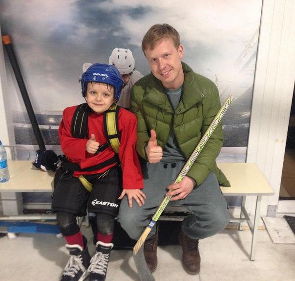 Антон Богданов с сыном Демьяном на тренировке Фото: Инстаграм