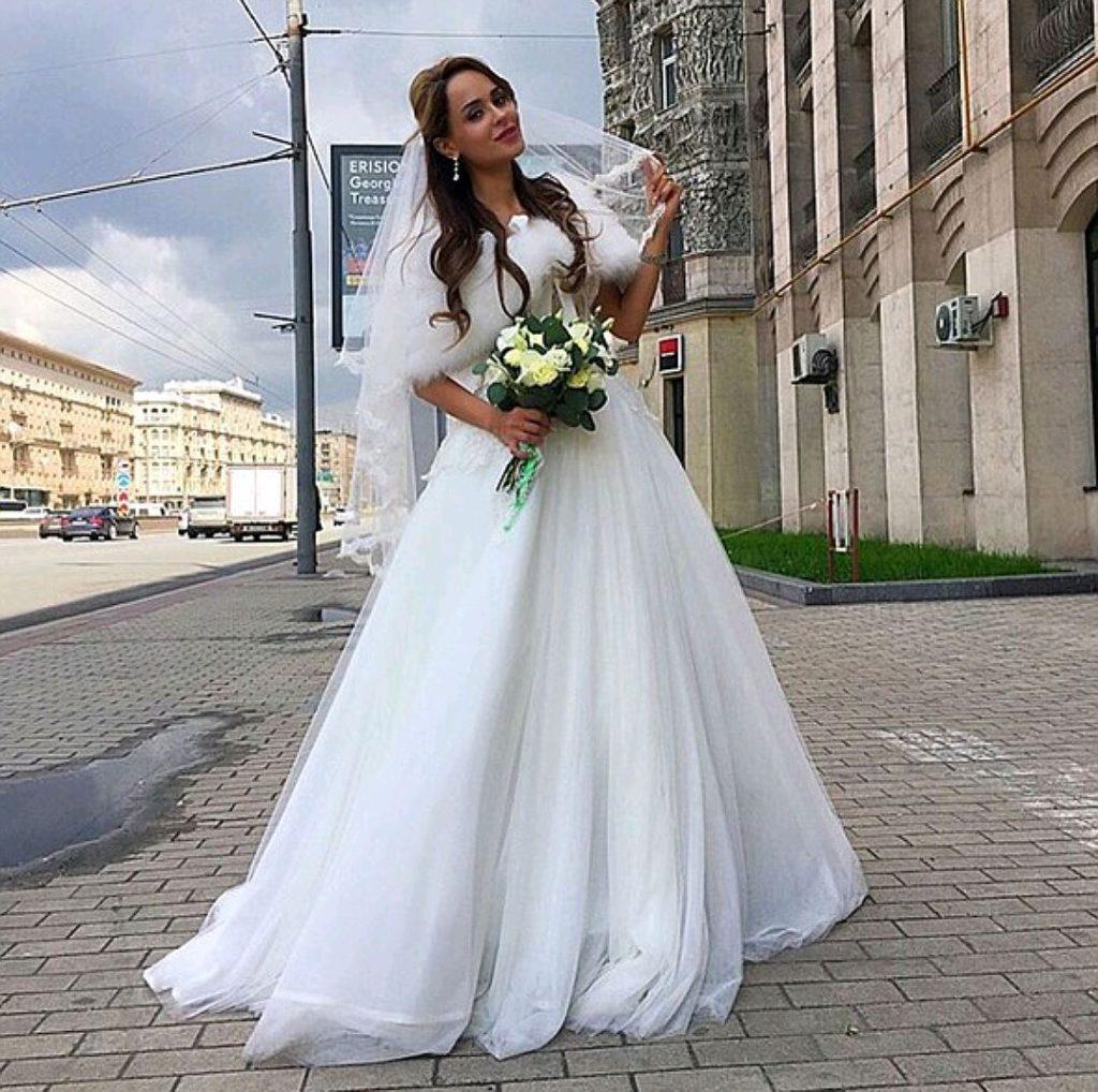 Анна Калашникова приехала в ЗАГС в день свадьбы Фото: Инстаграм