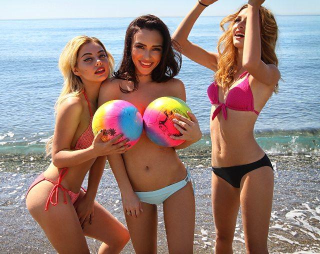 Ольга Серябкина сняла купальник на пляже Фото: Инстаграм