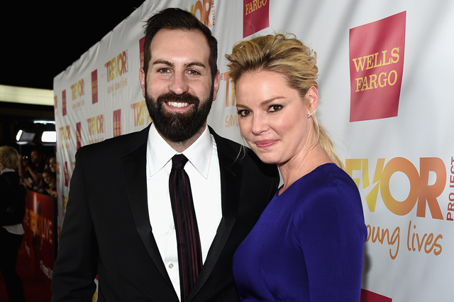 "LOS ANGELES, CA - DECEMBER 07:  Actors Josh Kelley (L) and Katherine Heigl attend ""TrevorLIVE LA"" Honoring Robert Greenblatt, Yahoo and Skylar Kergil for The Trevor Project at Hollywood Palladium on December 7, 2014 in Los Angeles, California.  (Photo by Michael Buckner/Getty Images for Trevor Project)"