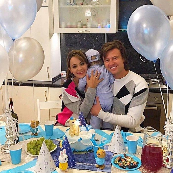 Прохор Шаляпин с Анной Калашниковой и Даниилом Фото: Инстаграм