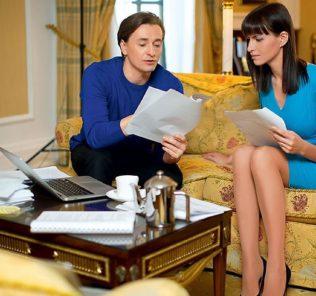 Жена Сергея Безрукова показала округлившийся живот