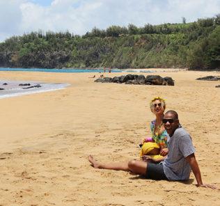 Бейонсе и Джей Зи показали чувства на Гавайях