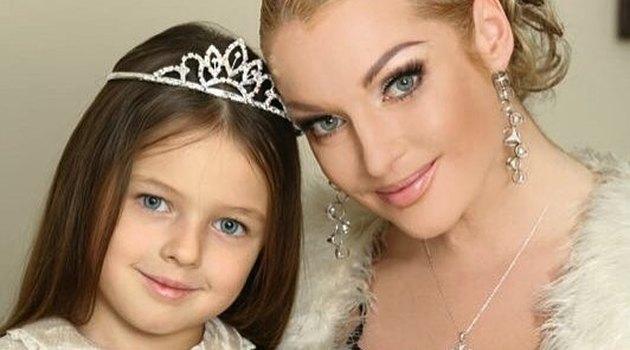 Волочкова с дочкой