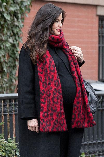 Лив Тайлер показала новорожденную дочь
