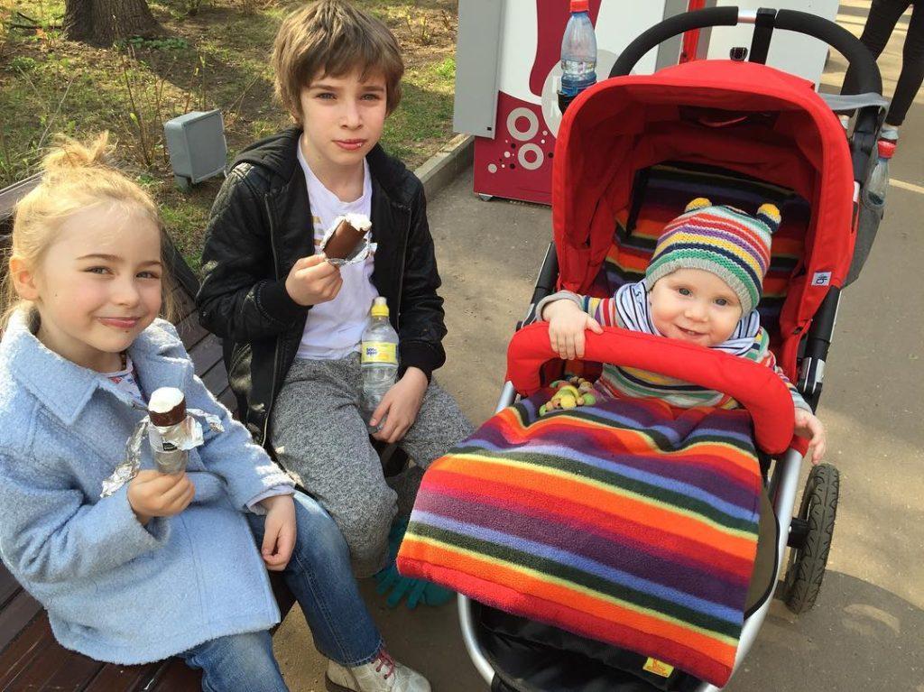 Тутта Ларсен поделилась фотографией с тремя детьми Фото: Инстаграм