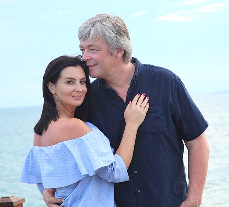48-летняя Екатерина Стриженова беременна в третий раз