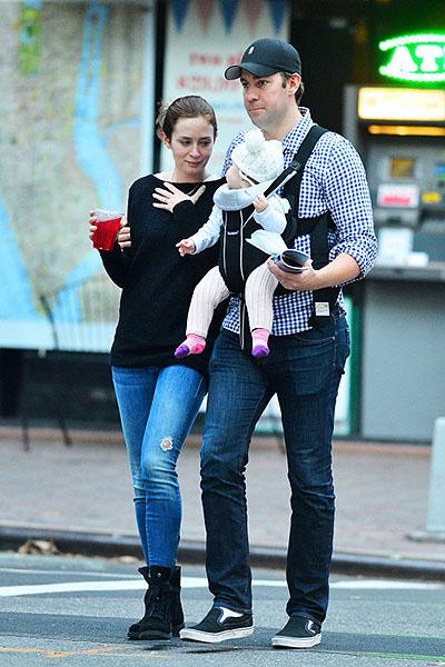 Эмили Блант и Джон Красински на прогулке в Нью-Йорке Фото: PacificCoastNews