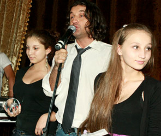 Отар Кушанашвили с дочками Фото: dni.ru