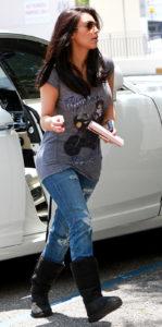 Kim-Kardashian-ugg