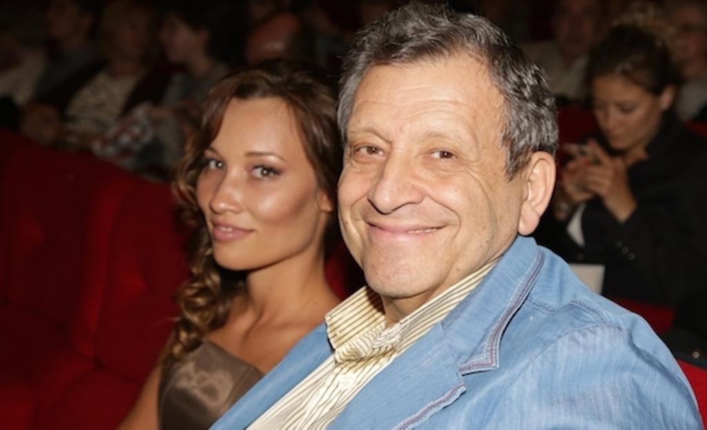Борис Грачевский укрепляет отношения с молодой женой