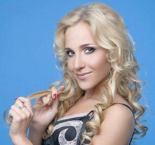 Юлия Ковальчук удивила фанатов снимком в стиле Волочковой