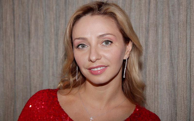 Татьяна Навка водит маленькую дочь в салоны красоты