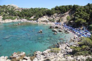 Пляж Энтони Куинн (Anthony Quinn) – один из красивейших пляжей Родоса