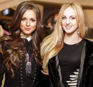 Нюша и Мария Шурочкина. Фото с сайта novayagazeta-ug.ru