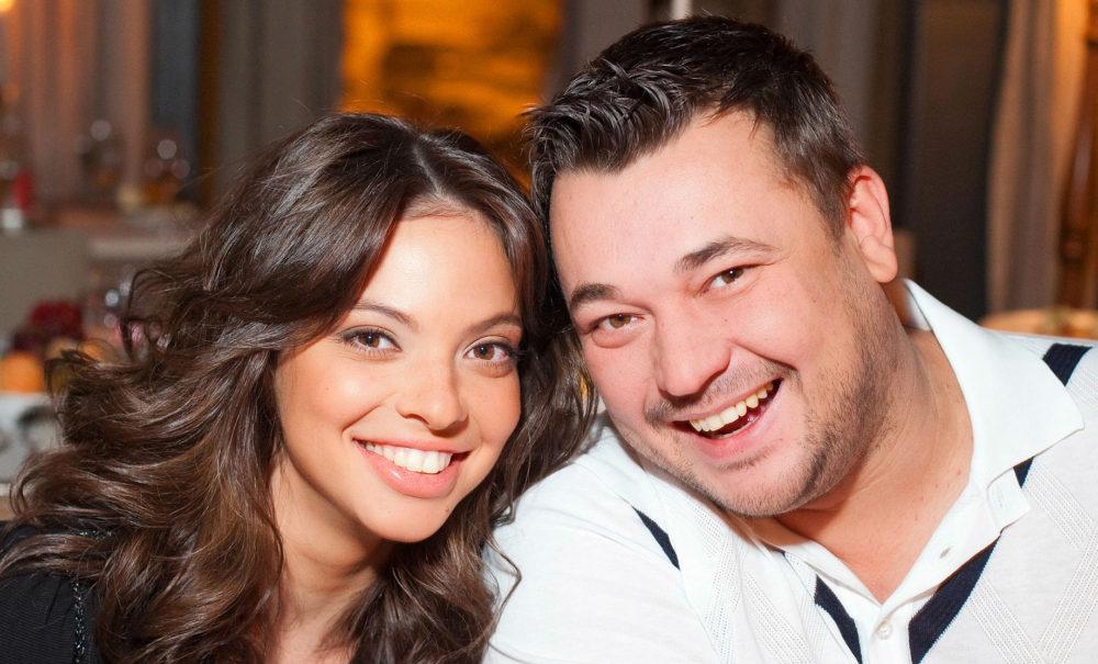 Сергей Жуков с женой Региной. Фото с сайта www.wday.ru