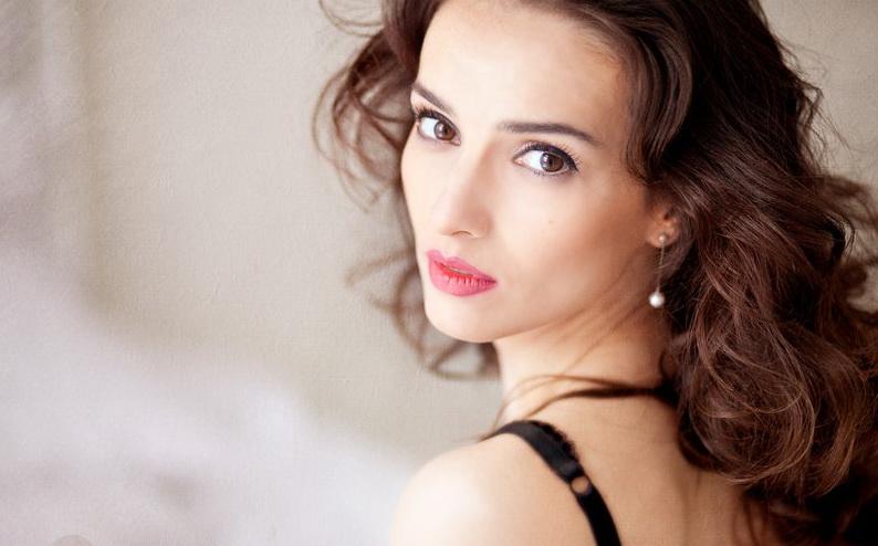 Юлия Зимина. Фото с сайта www.peoples.ru