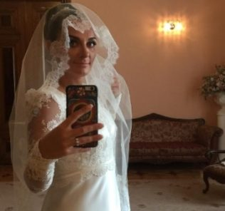 Елена Ваенга вышла замуж за барабанщика (фото)