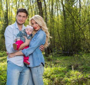 Александр Задойнов с семьей. Фото с сайта svopi.ru
